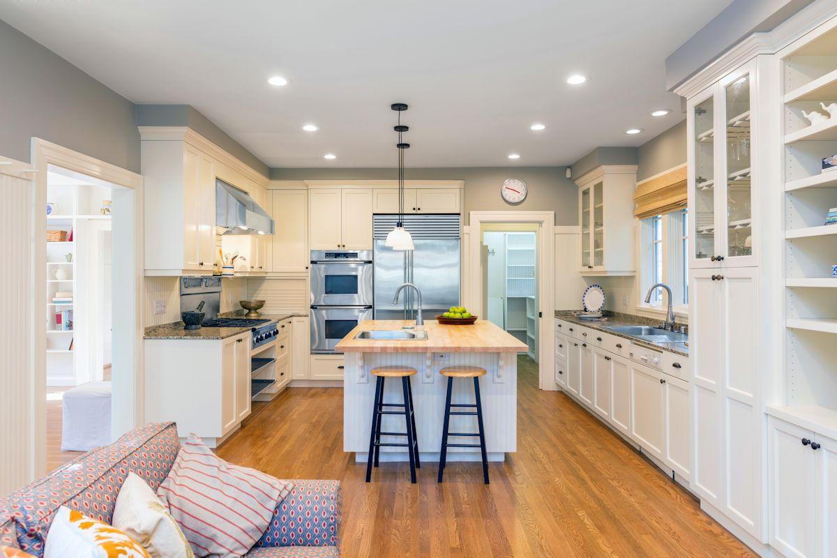 stone-atlanta-granite-countertops-gourmet-white-kitchen-gray